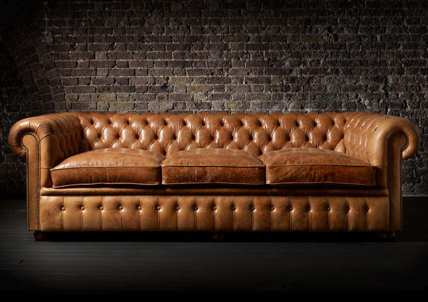 reupholstery-leather-coach